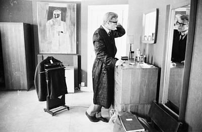 Photograph - Caines Toilette by Larry Ellis