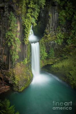 Photograph - Canyon Drapery by Peng Shi