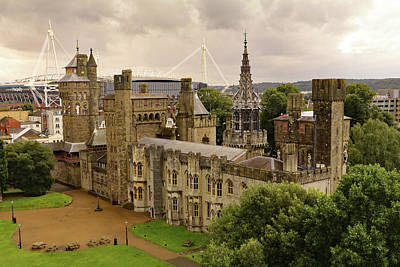 Photograph - Cardiff Castle by Tony Murtagh