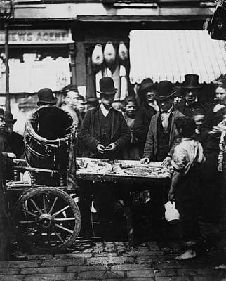 Carneys Fish Stall Art Print by Hulton Archive
