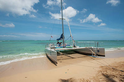 Photograph - Catamaran On Waikiki by Mark Duehmig