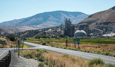 Photograph - Cement Plant Space Port by Tom Cochran