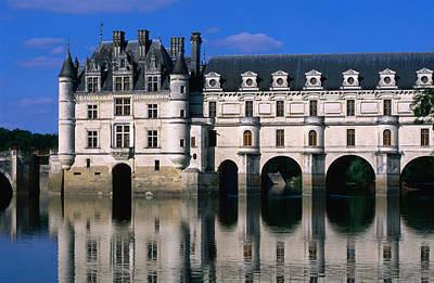 Chateau De Chenonceau Along Cher River Art Print
