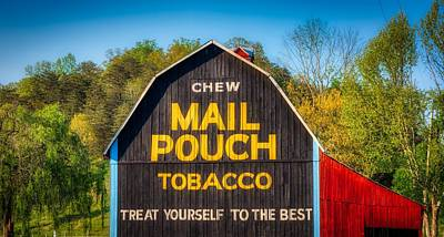 Mail Pouch Photograph - Chew Mail Pouch Barn by Mountain Dreams