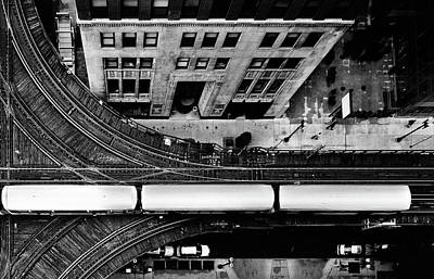 Architecture Photograph - Chicago L Train On Tracks by Photo By John Crouch