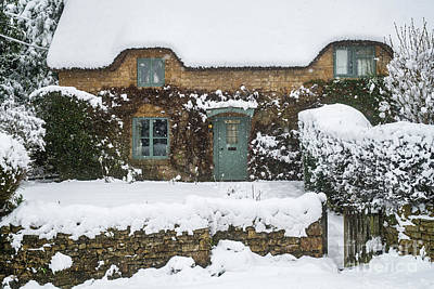Photograph - Chipping Campden Thatched Cottage In Winter by Tim Gainey