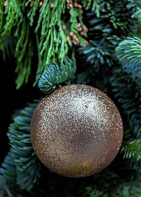 Photograph - Christmas Decoration - Golden Ornament by Robert Ullmann
