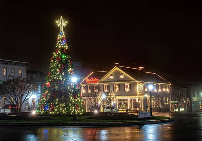 Photograph - Christmas On The Square by Dan Urban