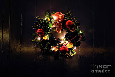 Photograph - Christmas Wreath by Terri Waters