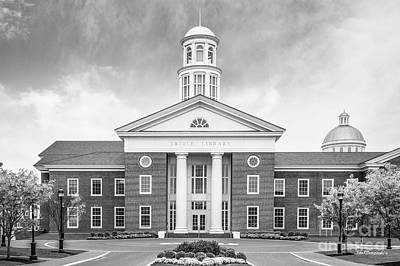 Photograph - Christopher Newport University Trible Library by University Icons