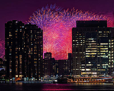 Photograph - City Fireworks by Chris Lord