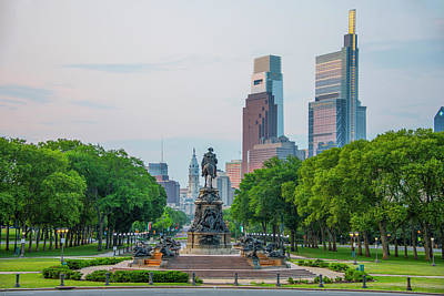 Photograph - Cityscape - Philadelphia From The Art Museum by Bill Cannon