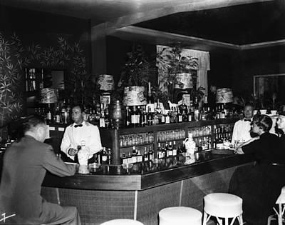 Hotel Photograph - Colony Hotel Bar, Palm Beach, Florida by Bert Morgan