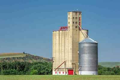 Photograph - Columbia County Elevator by Todd Klassy