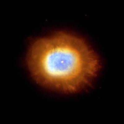 Photograph - Combined X-ray And Of Planetary Nebula by Stsci/univ Md/j.p. Harrington/nasa/spl