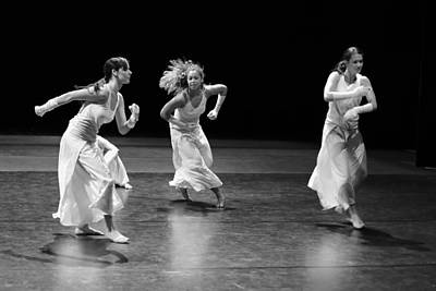 Photograph - Contemporary Dance by Elkor