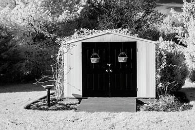 Photograph - Country Shed by Susan Candelario