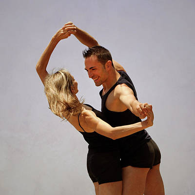 Hand Photograph - Couple Of Dancers by Antonio Arcos Aka Fotonstudio Photography