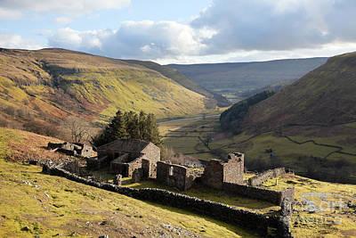 Photograph - Crackpot Hall Farmhouse by Gavin Dronfield