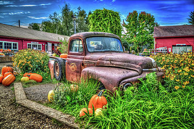 Design Turnpike Books Royalty Free Images - Craven Farms International Truck Royalty-Free Image by Spencer McDonald