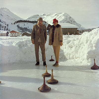Ski Resort Photograph - Curling by Slim Aarons