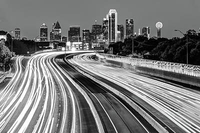 Photograph - Dallas Texas Monochrome Skyline At Dawn - Cityscape Architecture by Gregory Ballos