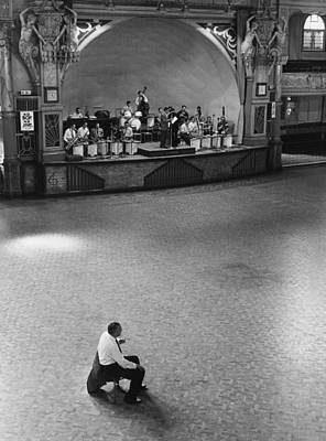 Photograph - Dance Band by Erich Auerbach