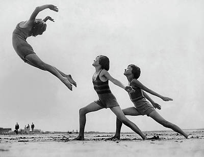 Photograph - Dancers On The Beach by Fpg