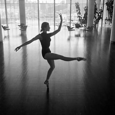 Photograph - Daphne Dale Dances by John Chillingworth
