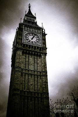 Photograph - Dark Big Ben by Arnaldo Tarsetti