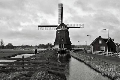 Photograph - Dark Wind Mill Sound by Silva Wischeropp