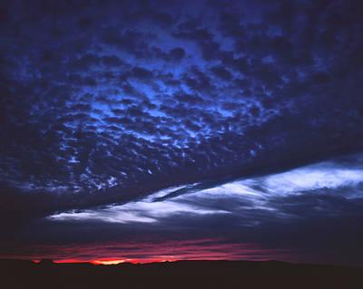 Photograph - Deep Blue Sunset by Tom Daniel
