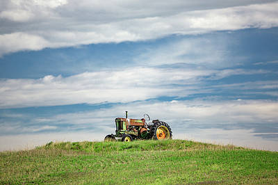 Photograph - Deere On The Hill by Todd Klassy