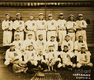 Photograph - Detroit Tigers With Ty Cobb by Unknown