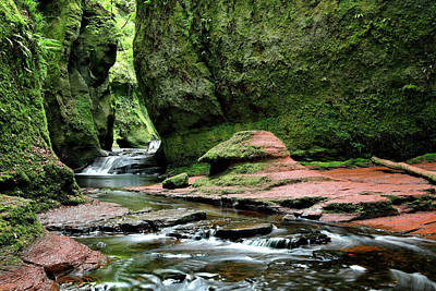 Photograph - Devil's Pulpit by Nicholas Blackwell