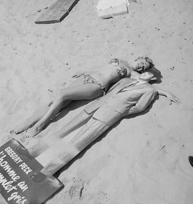 Diana Dors Lying On The Beach At Cannes Art Print