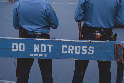Photograph - Do Not Cross by Alfred Gescheidt