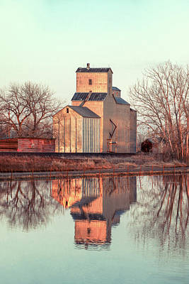Grain Elevator Wall Art - Photograph - Dodson Elevator by Todd Klassy