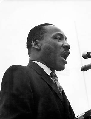 Photograph - Dr. King Speaks At Anti-war Rally by Fred W. McDarrah
