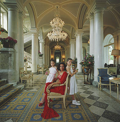 Photograph - Droulers And Daughters by Slim Aarons