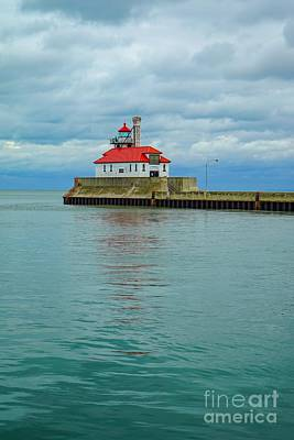 Photograph - Duluth Lighthouse 2 by Susan Rydberg