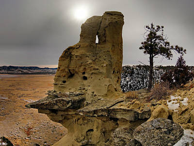 Photograph - East Montana Formations by Leland D Howard