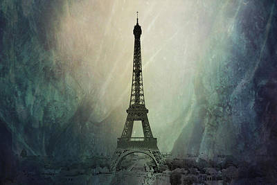 Photograph - Eiffel Tower by Pete Hunt