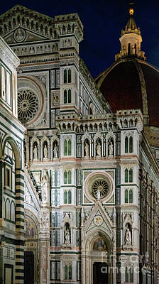 Photograph - el Duomo The Florence Italy Cathedral at Night Vertical by Wayne Moran