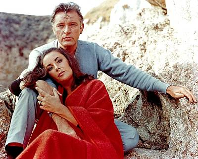 Elizabeth Taylor Wall Art - Photograph - Elizabeth Taylor And Richard Burton On by Api