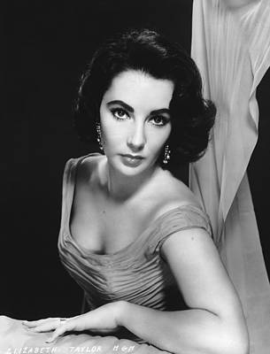 Photo Shoot Photograph - Elizabeth Taylor by Archive Photos