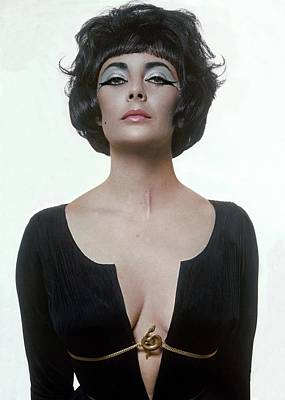 Photograph - Elizabeth Taylor As Cleopatra by Bert Stern