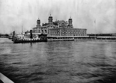 Ellis Island Art Print by Hulton Archive
