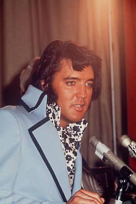Photograph - Elvis Presley by Art Zelin