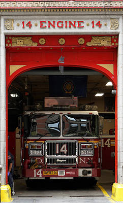 Photograph - Engine 14 New York by Andrew Fare